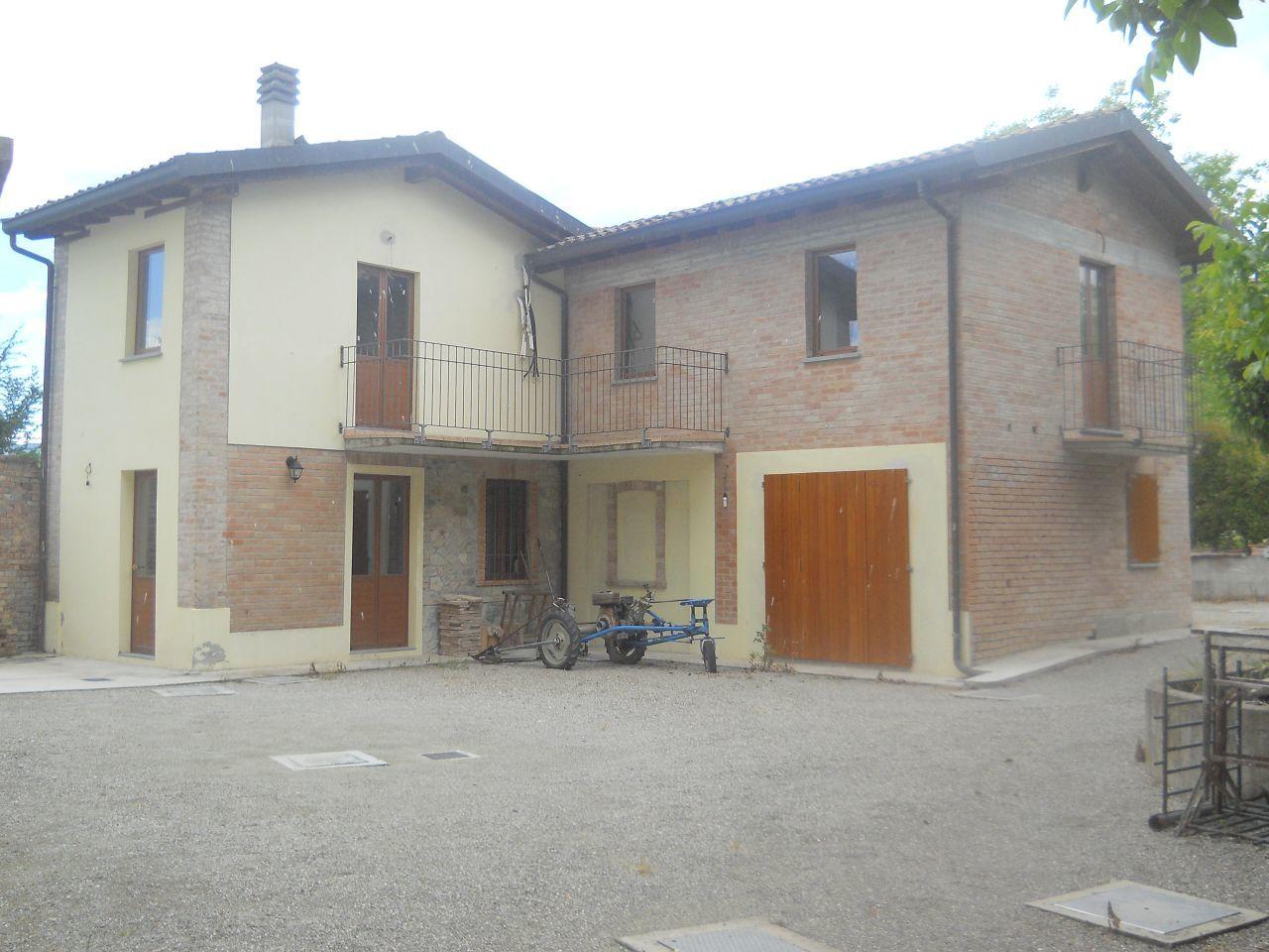 Rustico / Casale in vendita a Langhirano, 10 locali, prezzo € 700.000 | Cambio Casa.it