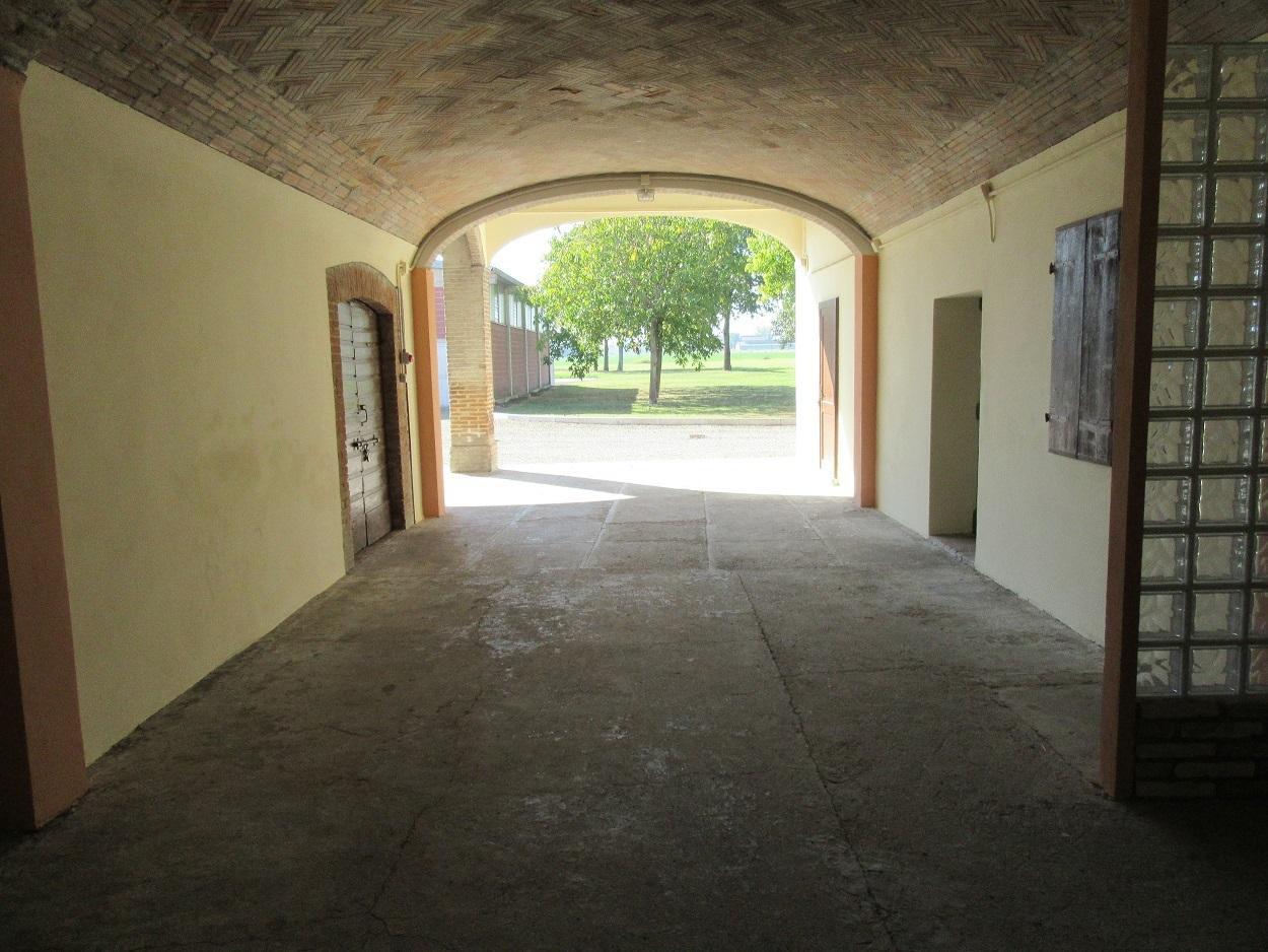 Rustico / Casale in vendita a Noceto, 17 locali, Trattative riservate | Cambio Casa.it