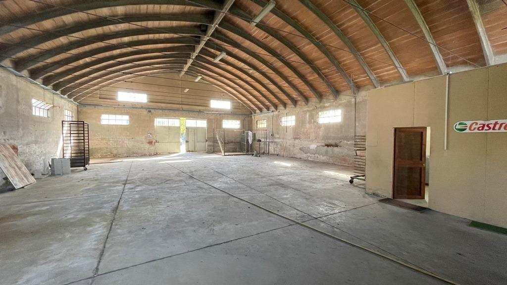 capannone interno