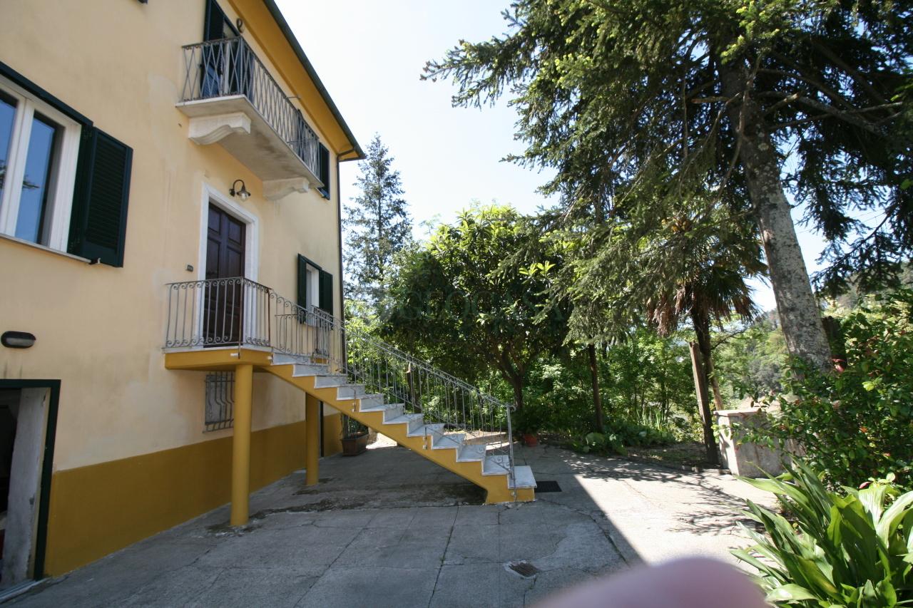 Soluzione Indipendente in vendita a La Spezia, 11 locali, prezzo € 365.000 | Cambio Casa.it
