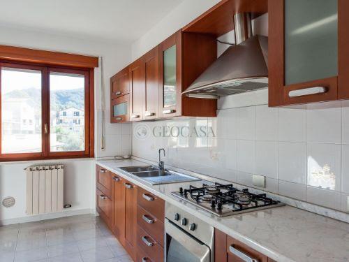 Appartamento in affitto a Aulla, 4 locali, prezzo € 600 | CambioCasa.it