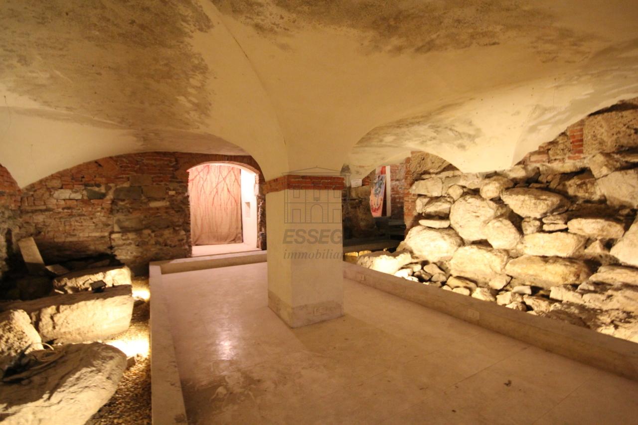 fondo commerciale Lucca Centro storico UF00472 img 2