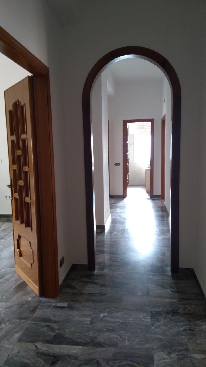 vendita appartamento reggio di calabria   60000 euro  4 locali  120 mq