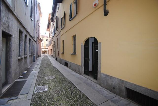 Ufficio / Studio in vendita a Pavia, 4 locali, prezzo € 390.000 | Cambio Casa.it