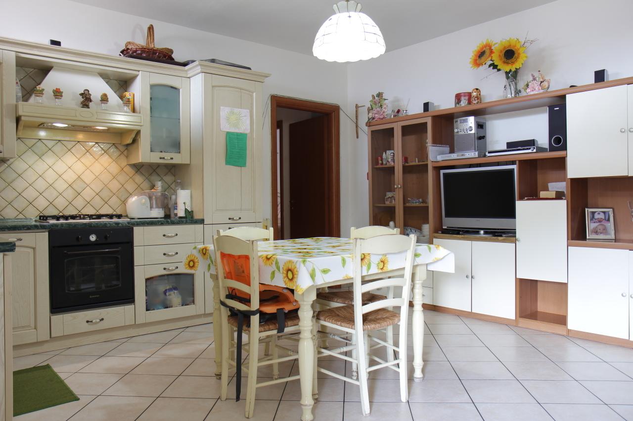 Appartamento in vendita a Uta, 3 locali, prezzo € 75.000   Cambio Casa.it