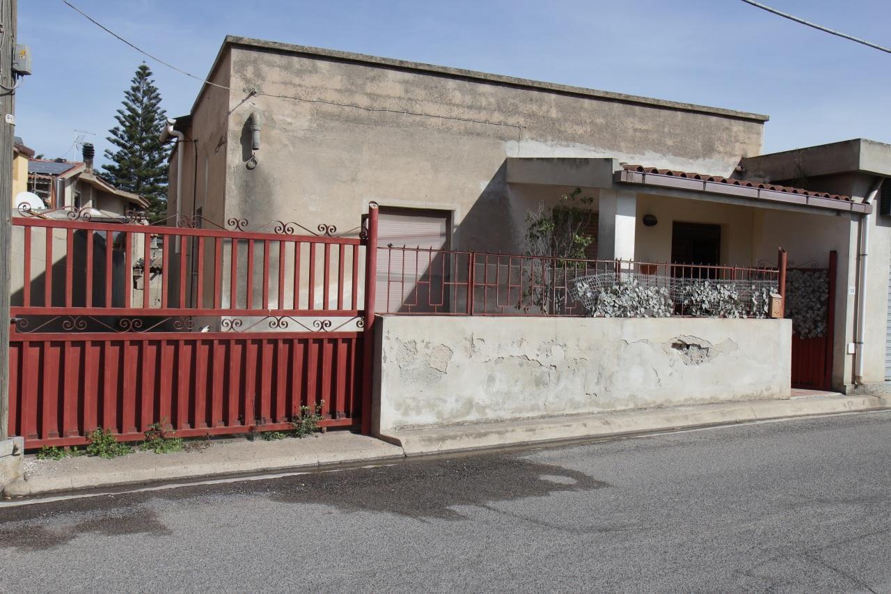 Soluzione Indipendente in vendita a Uta, 3 locali, prezzo € 85.000 | Cambio Casa.it
