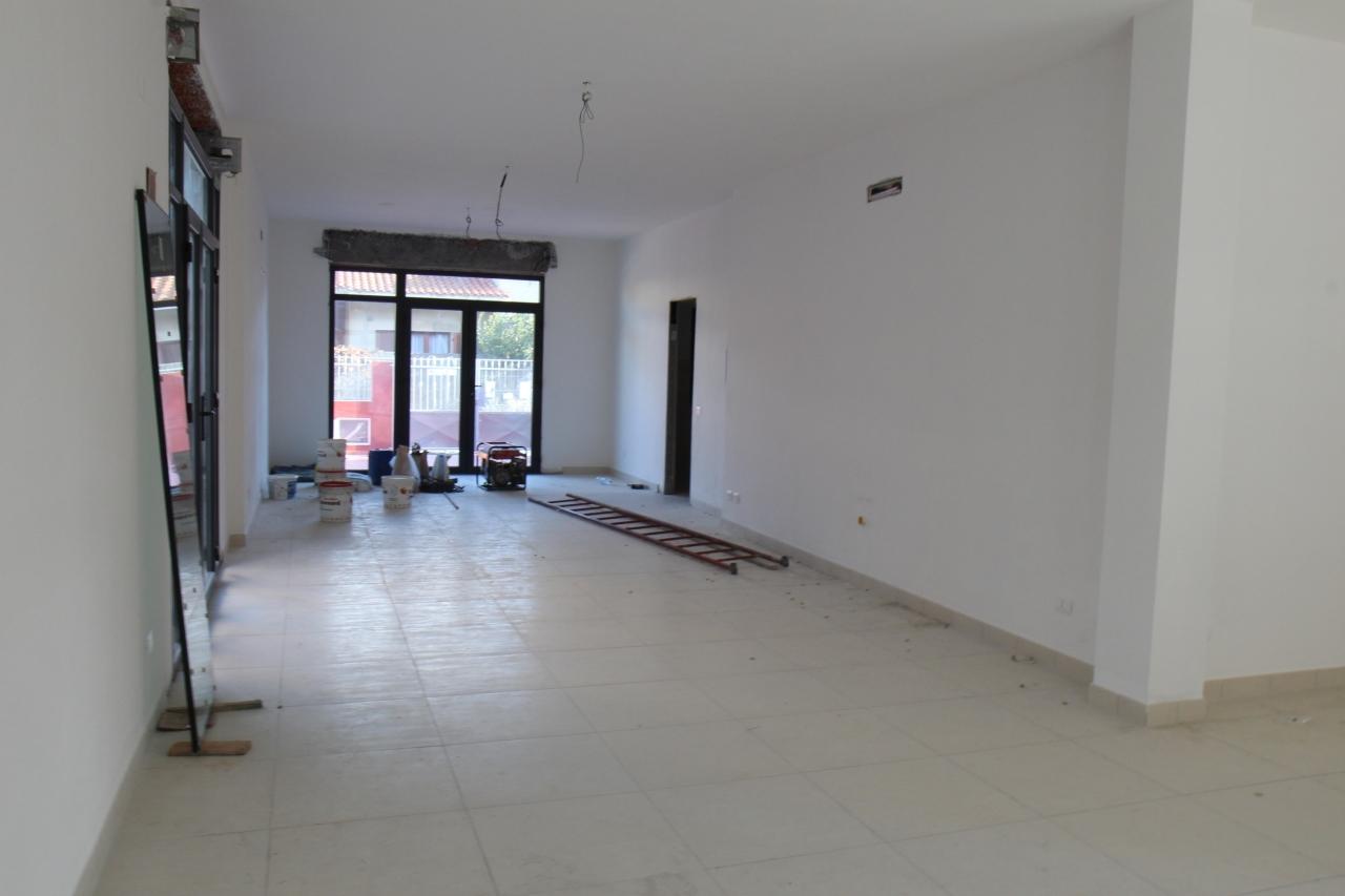 Negozio / Locale in vendita a Uta, 1 locali, prezzo € 155.000 | CambioCasa.it