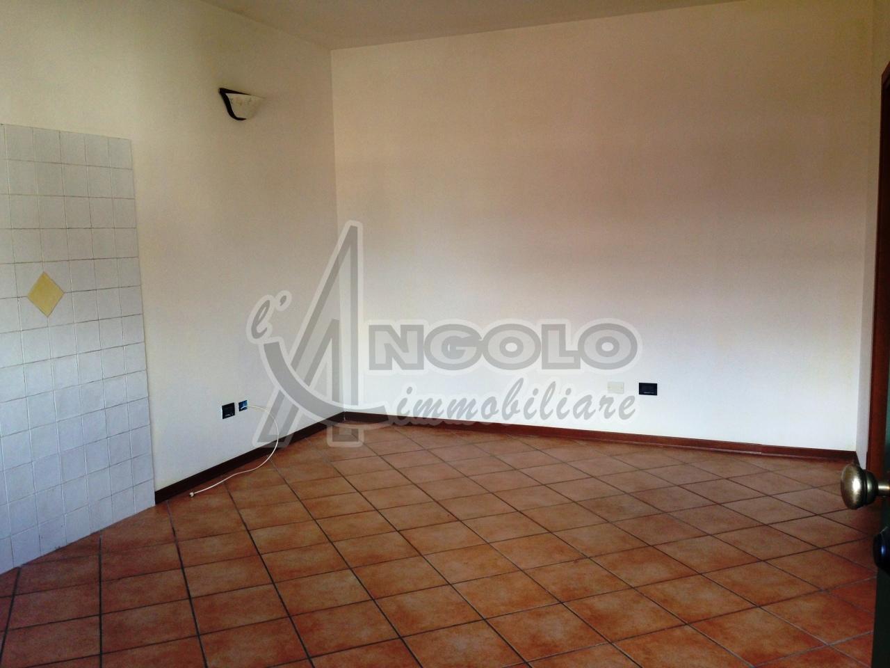 Appartamento in affitto a Occhiobello, 3 locali, prezzo € 350 | Cambio Casa.it