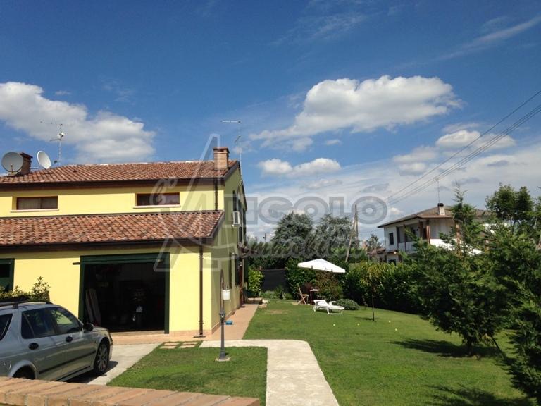 Soluzione Indipendente in vendita a Gaiba, 5 locali, prezzo € 175.000 | Cambio Casa.it