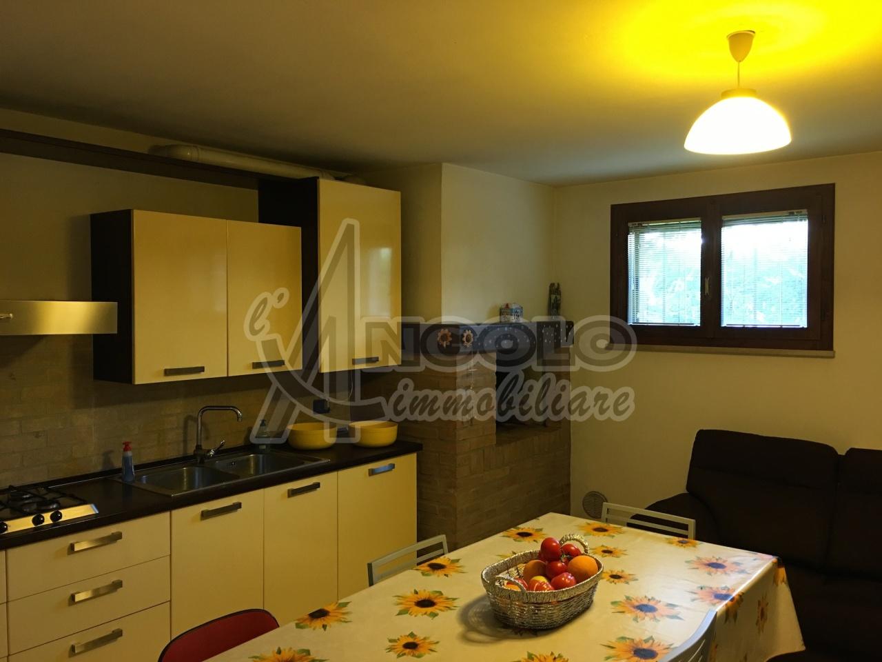 Soluzione Indipendente in vendita a Ostellato, 14 locali, prezzo € 268.000 | Cambio Casa.it