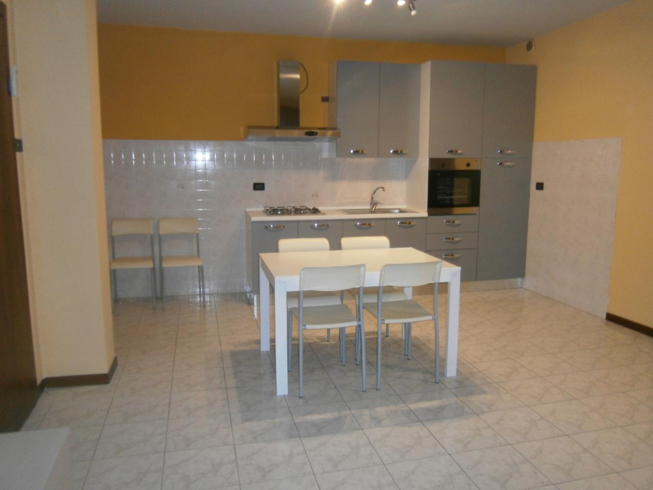 Appartamento in affitto a Lonigo, 5 locali, prezzo € 550 | CambioCasa.it