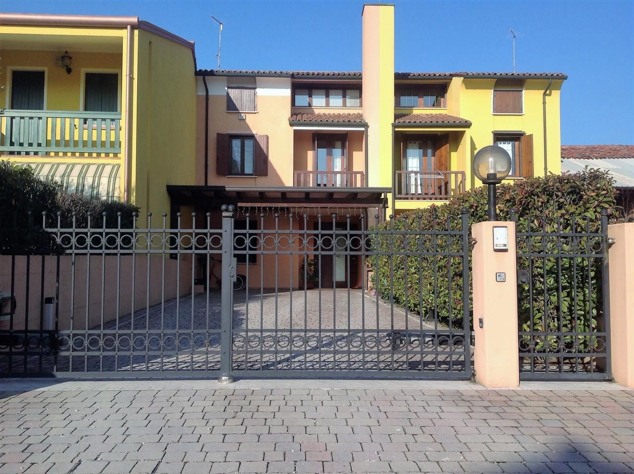 Soluzione Indipendente in vendita a Castelfranco Veneto, 5 locali, prezzo € 170.000   CambioCasa.it