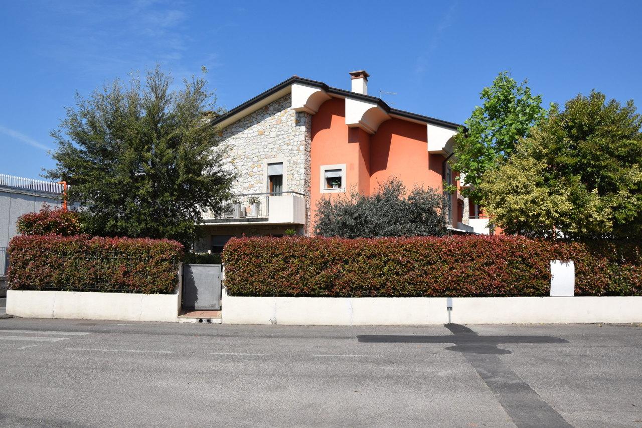 Villa a Schiera in Vendita a Montebello Vicentino