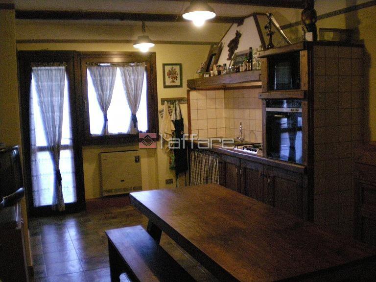 Appartamento in vendita a Castiglione di Garfagnana, 2 locali, prezzo € 55.000 | Cambio Casa.it