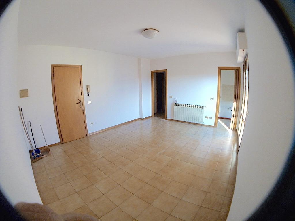 Appartamento in vendita a Ponte Buggianese, 5 locali, prezzo € 95.000 | Cambio Casa.it