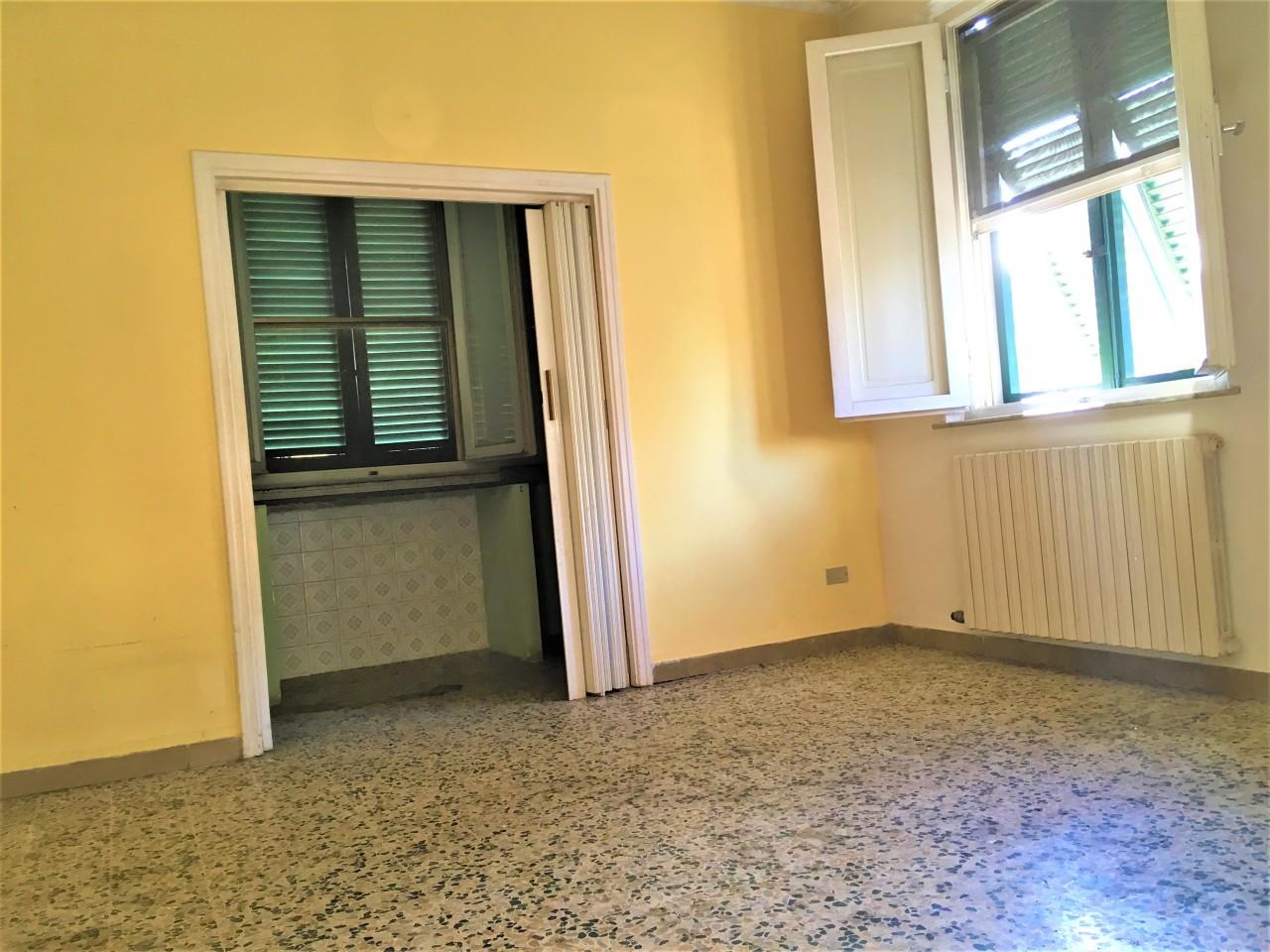 Villa in vendita a Ponsacco, 5 locali, prezzo € 195.000   CambioCasa.it