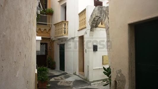 Soluzione Indipendente in vendita a Gallipoli, 6 locali, prezzo € 150.000 | Cambio Casa.it