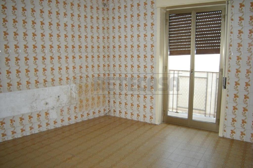 Appartamento trilocale in vendita a Caltanissetta (CL)-4