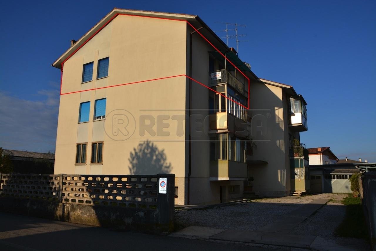 Appartamento in vendita a Manzano, 7 locali, prezzo € 65.000 | Cambio Casa.it