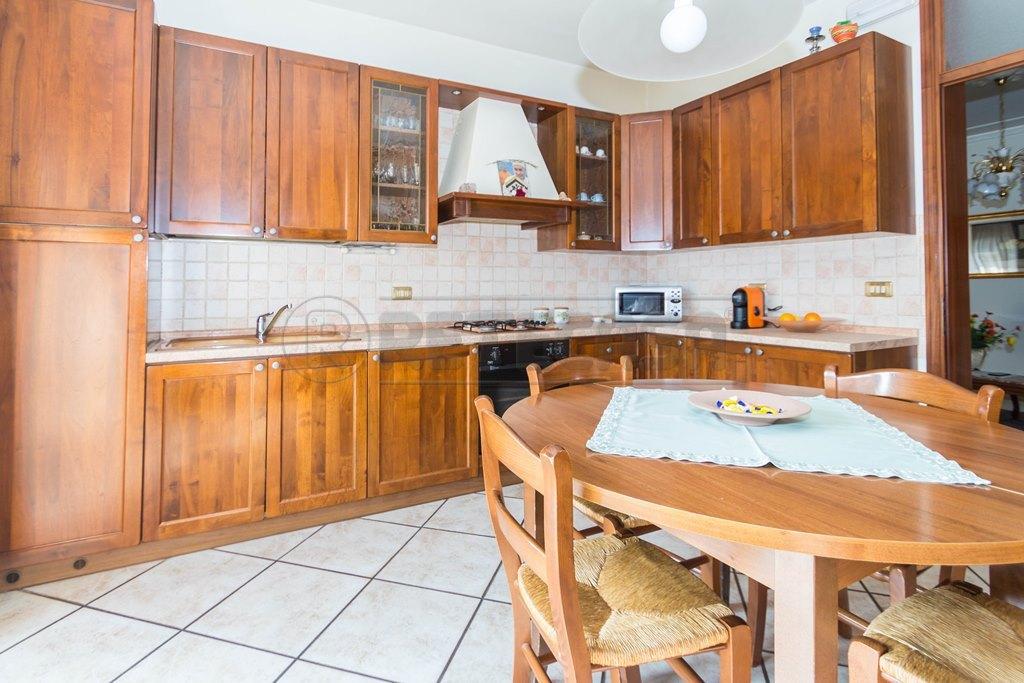 Appartamento in vendita a Mason Vicentino, 6 locali, prezzo € 130.000 | Cambio Casa.it