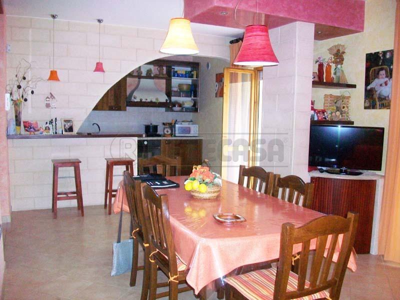 Appartamento in vendita a Bisceglie, 4 locali, prezzo € 165.000 | Cambio Casa.it