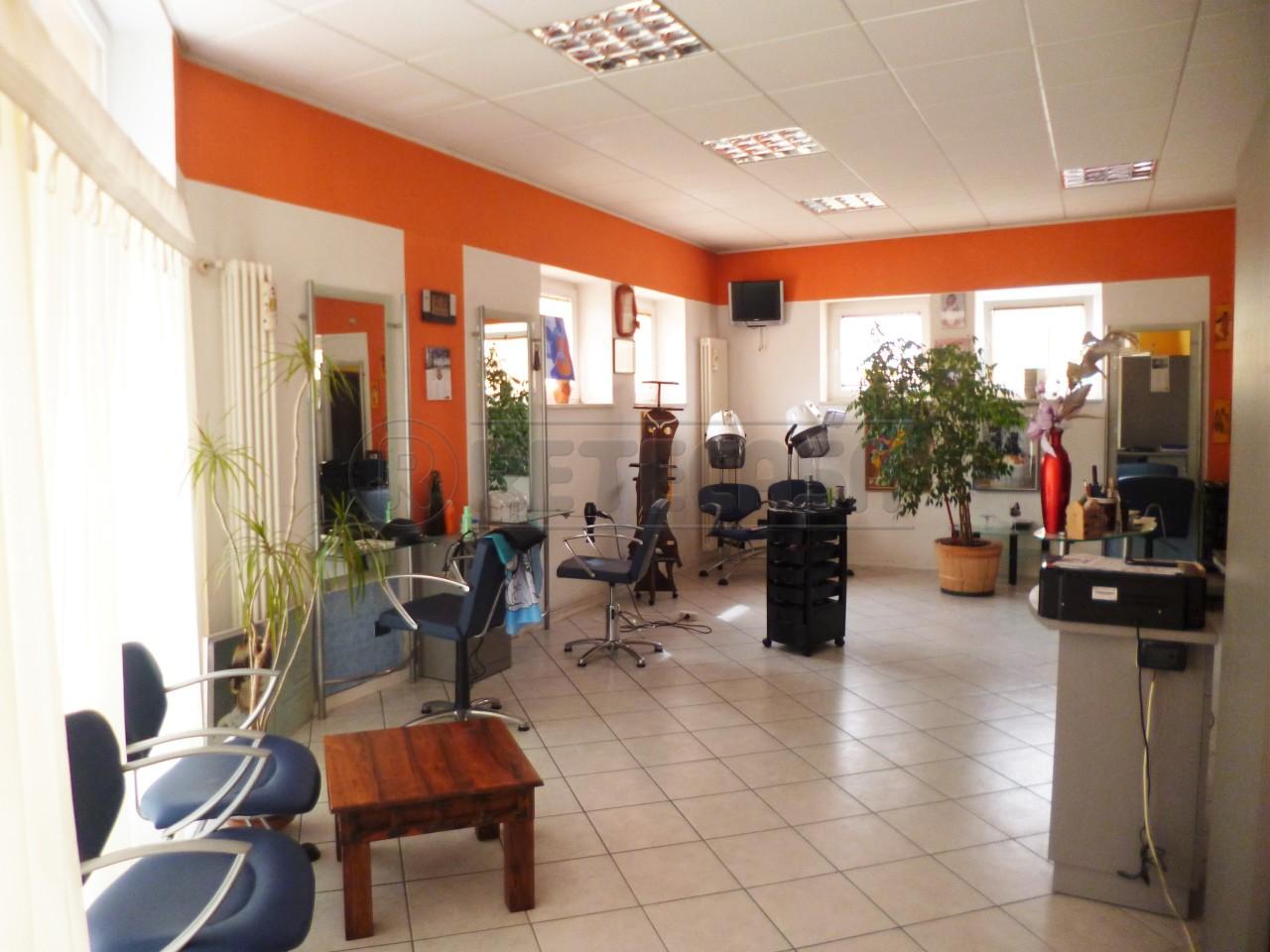 Negozio / Locale in affitto a Gambellara, 9999 locali, prezzo € 550 | Cambio Casa.it