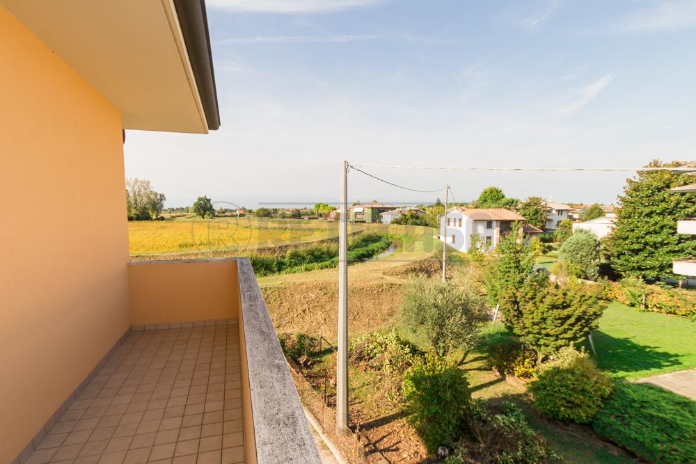 Appartamento in vendita a Quinto Vicentino, 4 locali, prezzo € 93.000 | Cambio Casa.it