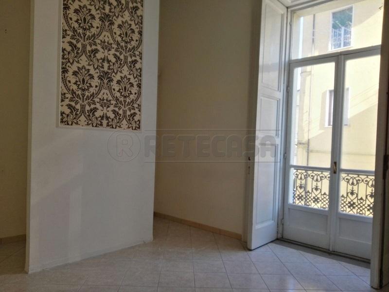 Appartamento in affitto a Mercato San Severino, 3 locali, prezzo € 600 | Cambio Casa.it