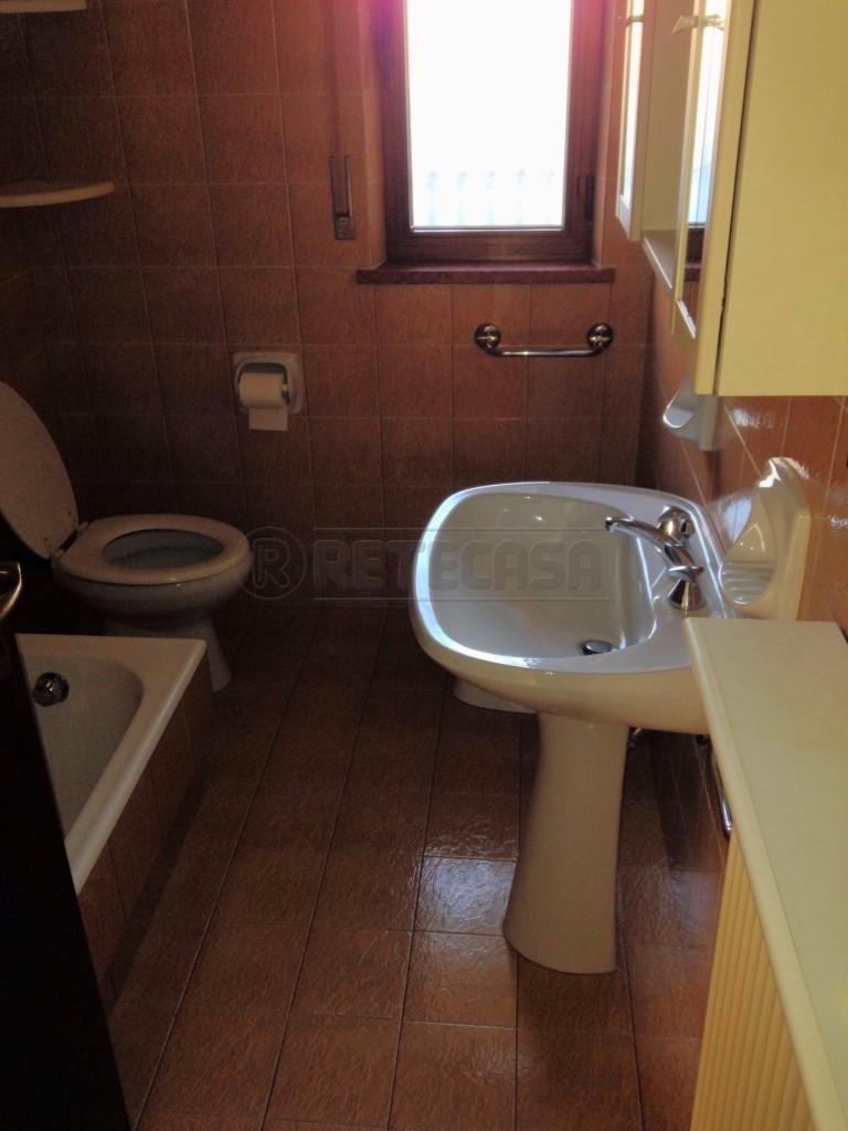 Bilocale Belluno Via Francesco Agosti 30 5