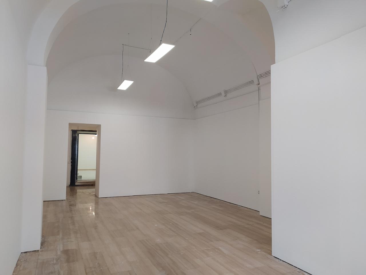 Fondo commerciale in affitto a Bari (BA)