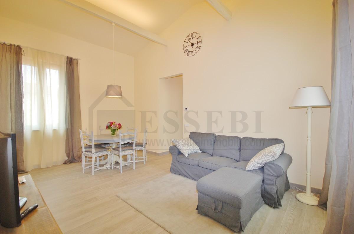 Appartamento in affitto a Pietrasanta, 6 locali, Trattative riservate | Cambio Casa.it
