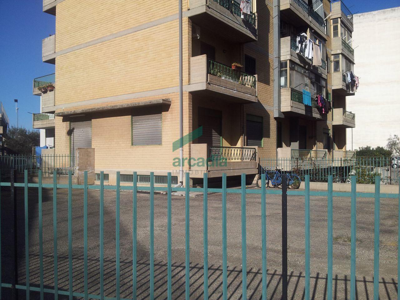 Negozio / Locale in affitto a Modugno, 1 locali, prezzo € 1.300 | CambioCasa.it