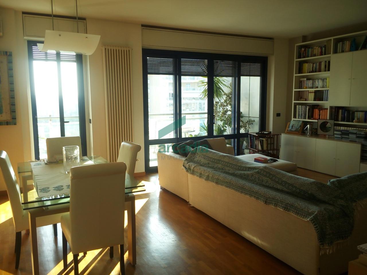 Appartamento in vendita a Bari, 5 locali, prezzo € 450.000 | Cambio Casa.it