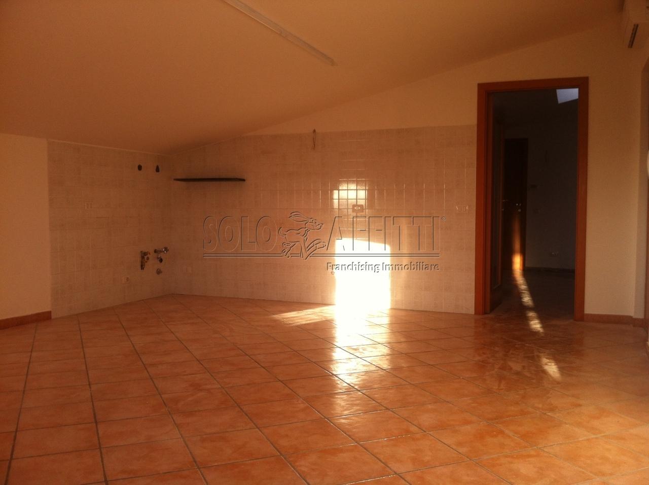Appartamento in affitto a Montesilvano, 3 locali, prezzo € 400   Cambio Casa.it