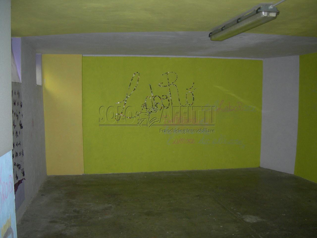 Magazzino in affitto a Torino, 1 locali, prezzo € 130 | Cambio Casa.it