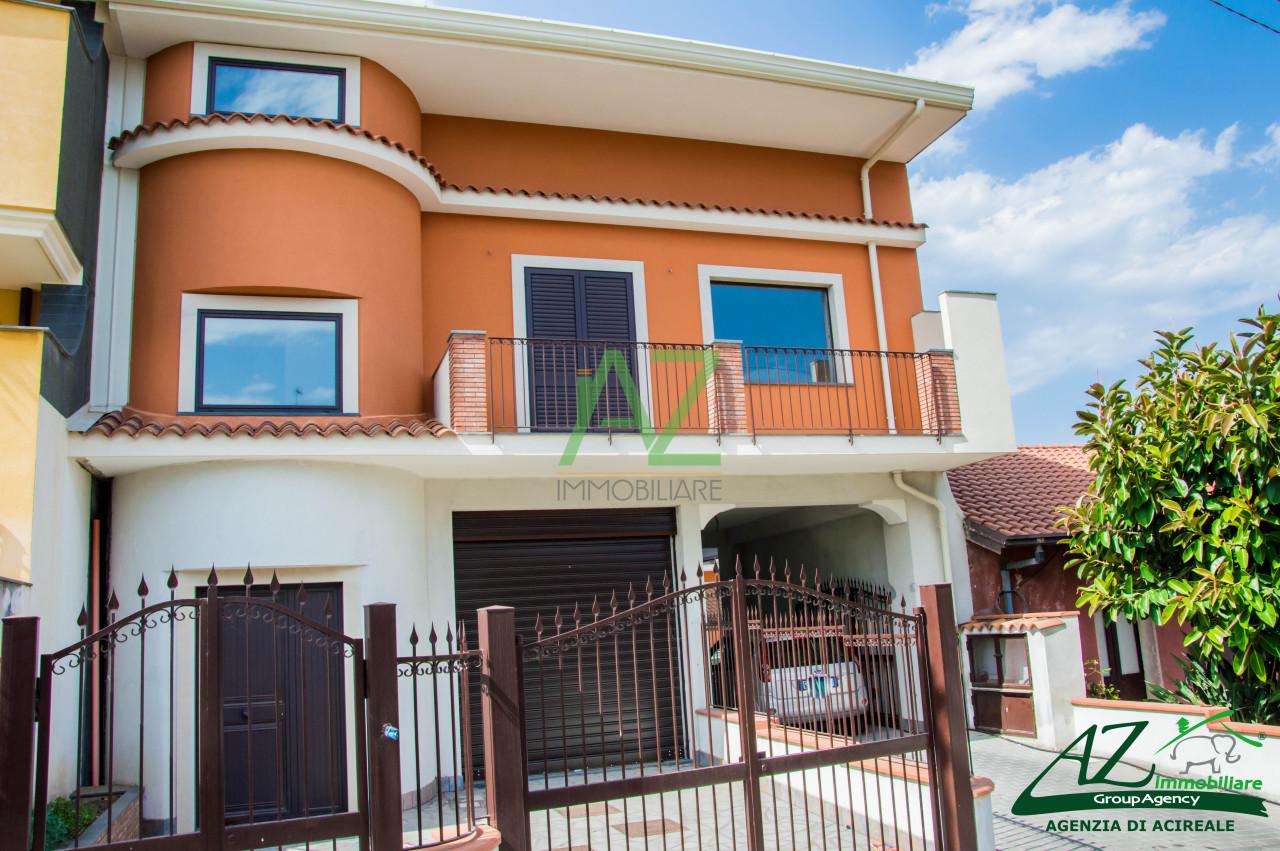 Soluzione Indipendente in vendita a Acireale, 5 locali, prezzo € 250.000 | Cambio Casa.it