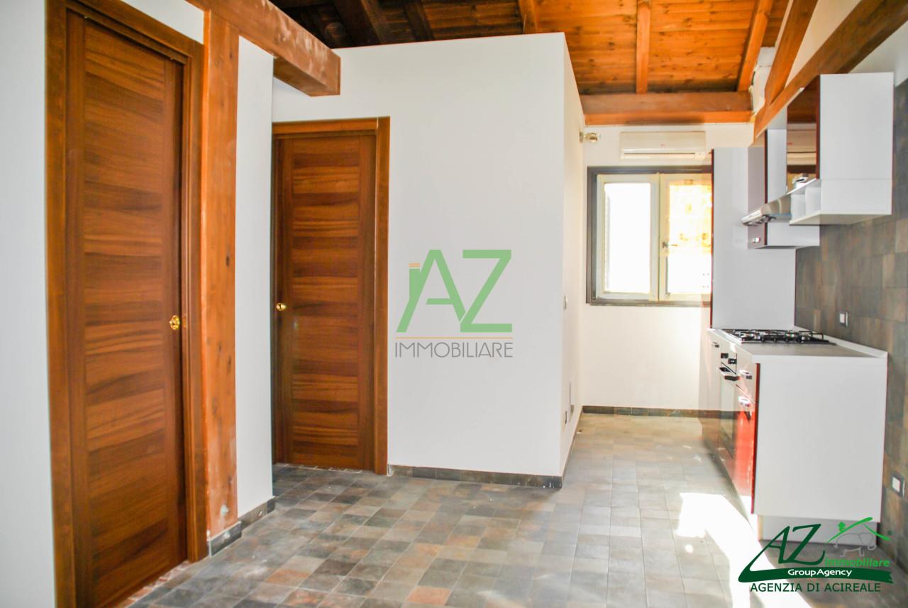 Attico / Mansarda in affitto a Acireale, 2 locali, prezzo € 500 | Cambio Casa.it