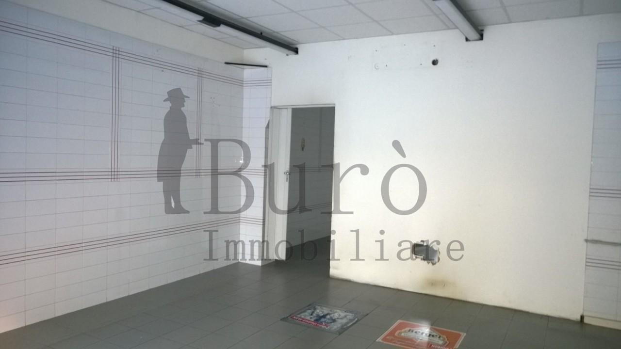 Negozio / Locale in affitto a Parma, 2 locali, prezzo € 550 | Cambio Casa.it