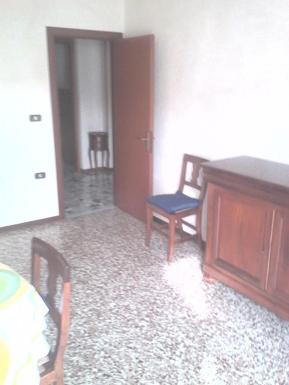 Bilocale Parma Via Montegrappa 7