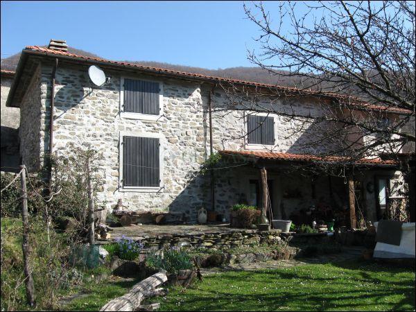 Soluzione Indipendente in vendita a Tresana, 5 locali, prezzo € 145.000 | CambioCasa.it