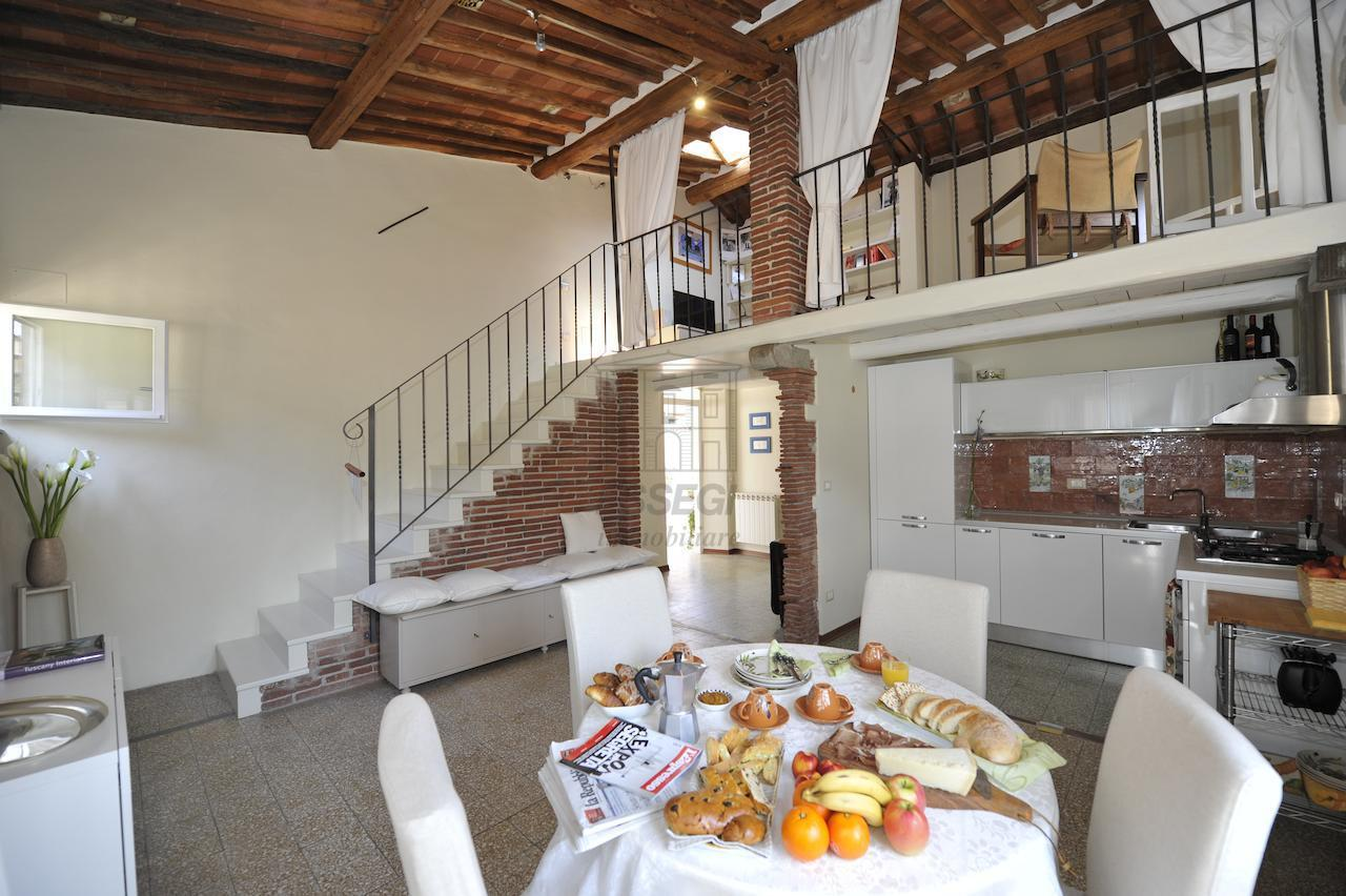 Appartamento Lucca Centro storico IA02882 img 2