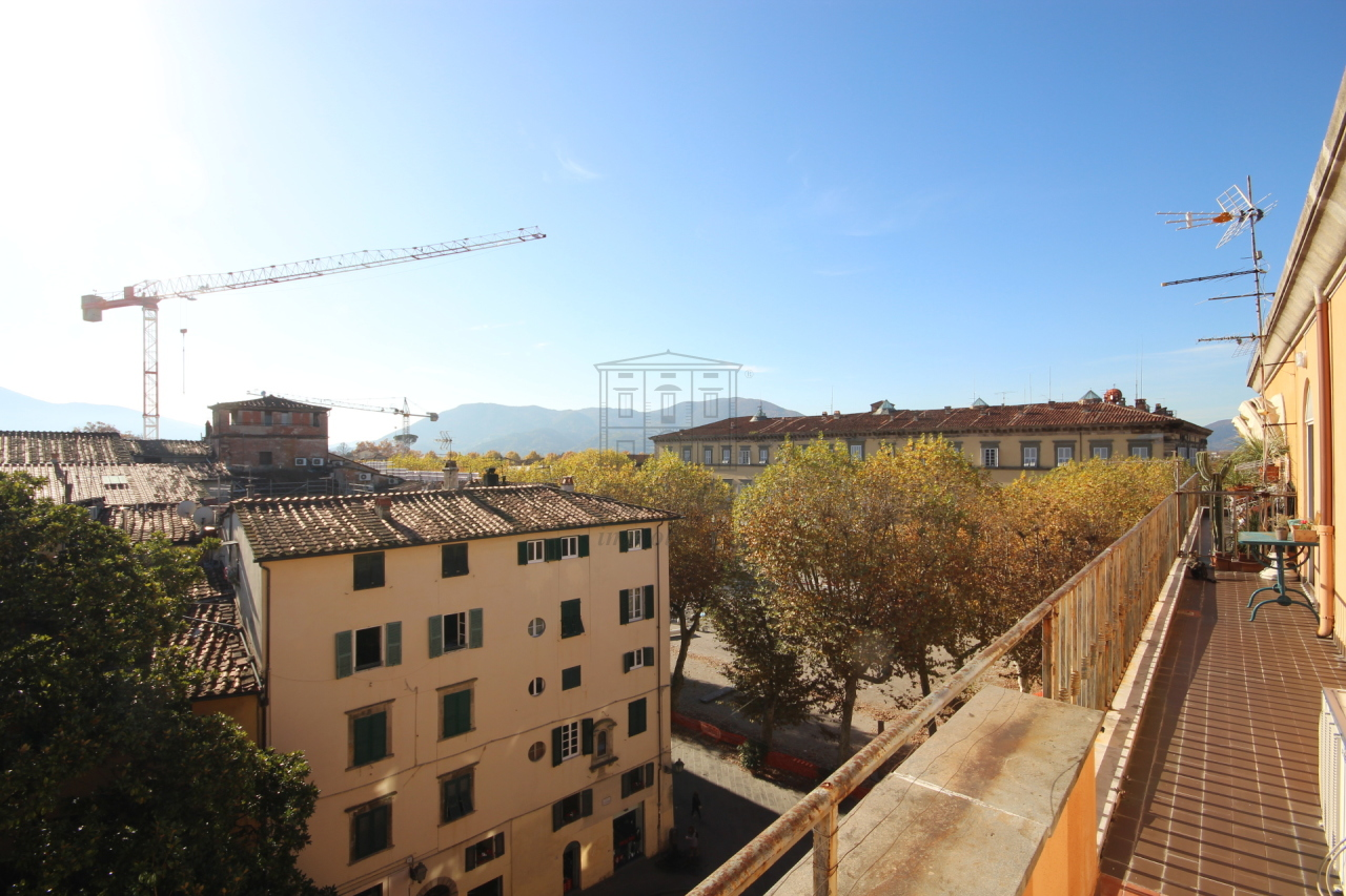 Appartamento Lucca Centro storico IA02933 img 13