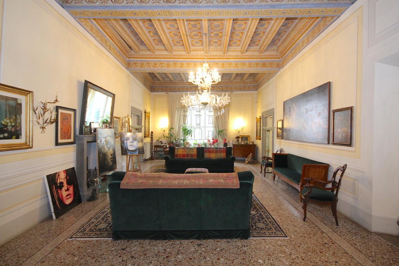 Appartamento Lucca Centro storico IA03053 img 2