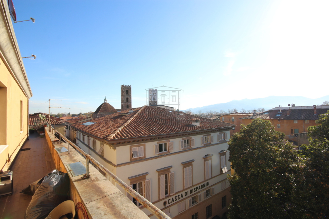 Appartamento Lucca Centro storico IA02933 img 12