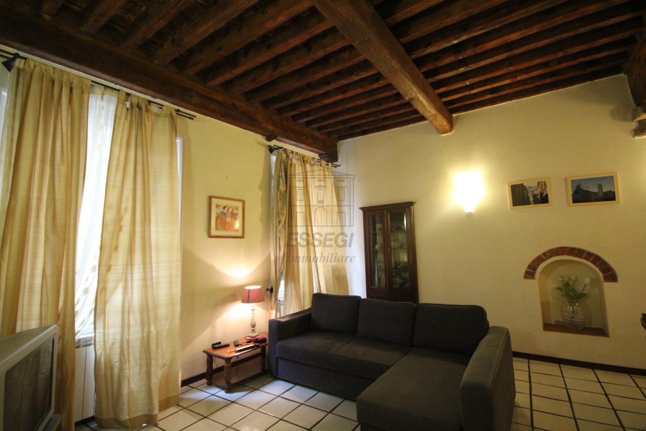 Appartamento Lucca Centro storico IA02948 img 8