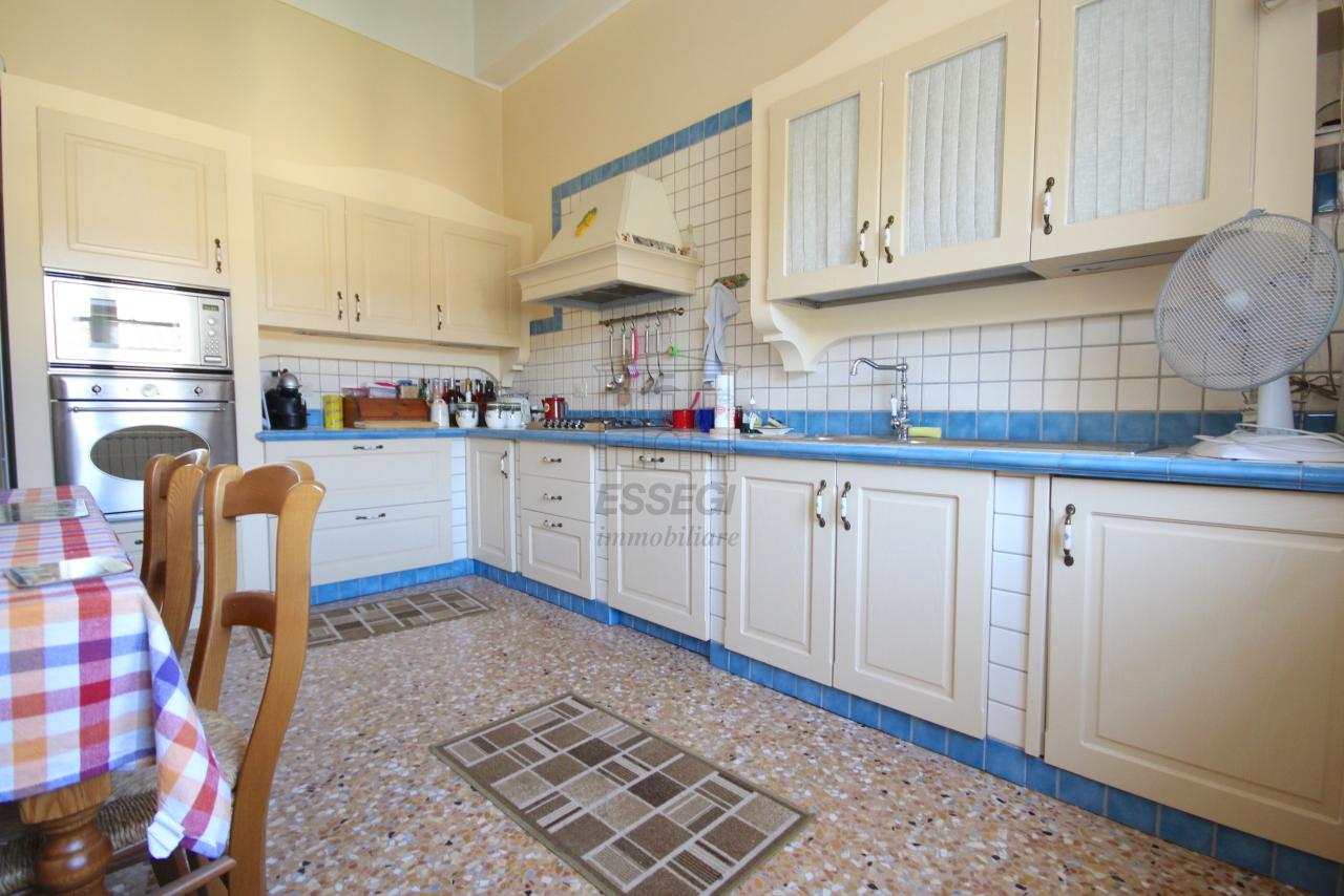 Appartamento Lucca Centro storico IA03340 img 8