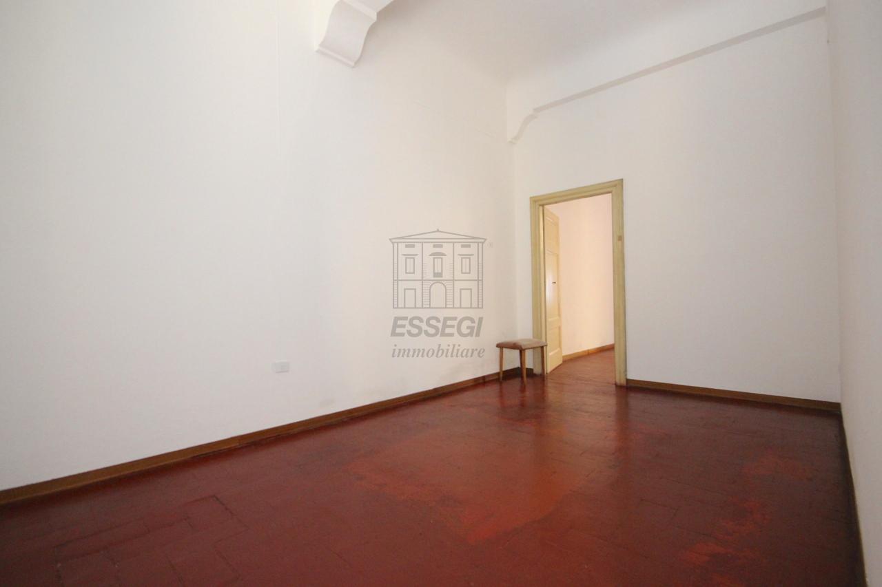 Appartamento Lucca Centro storico IA02855 img 13