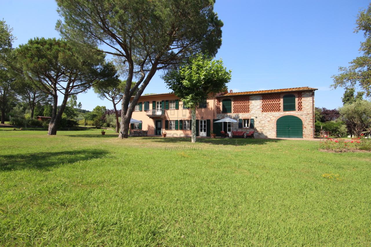 Rustico / Casale in vendita a Porcari, 10 locali, prezzo € 1.300.000 | Cambio Casa.it