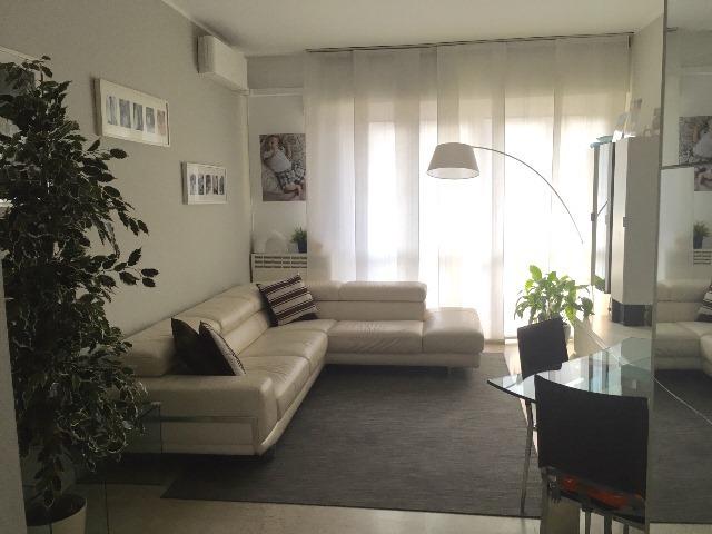 Appartamento in vendita a Pavia, 5 locali, prezzo € 200.000 | Cambio Casa.it