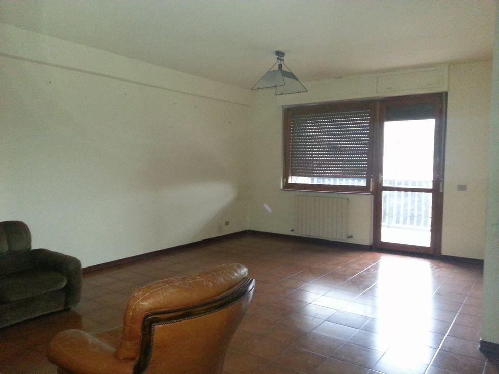 Appartamento quadrilocale in affitto a Perugia (PG)